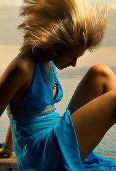 青いドレスiPhone5の壁紙の女の子