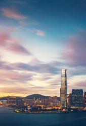 香港の夕暮れの超高層ビルシティベイのiPhone5壁紙
