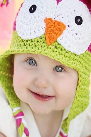 かわいい赤ちゃんニット帽子のiPhone6の壁紙