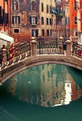 ベニスイタリア小さな橋iPhone6壁紙