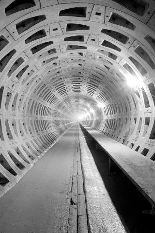 地下トンネル建設iPhone8壁紙