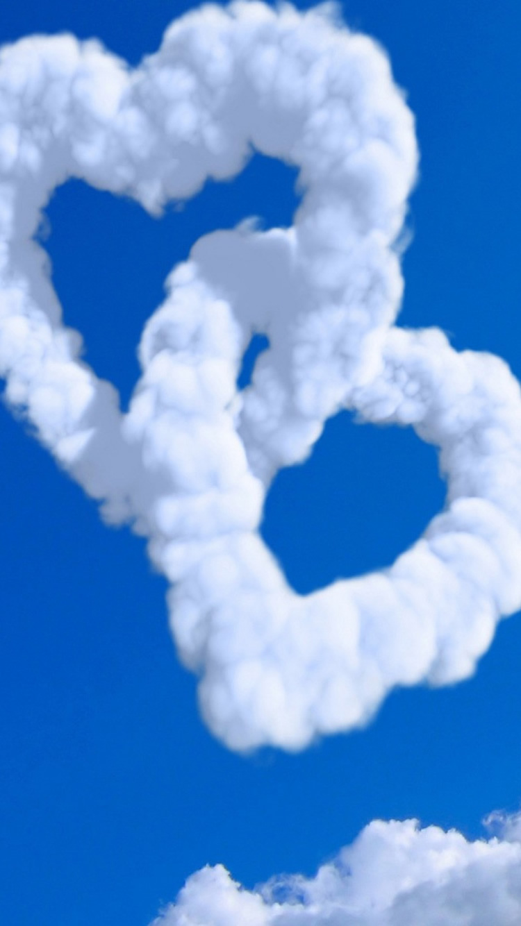 ハート型の雲ブルースカイiphone 7 8壁紙 Iphoneチーズ