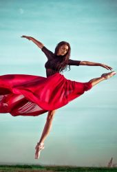 赤いドレスのバレエダンサーの女の子iPhone 6壁紙