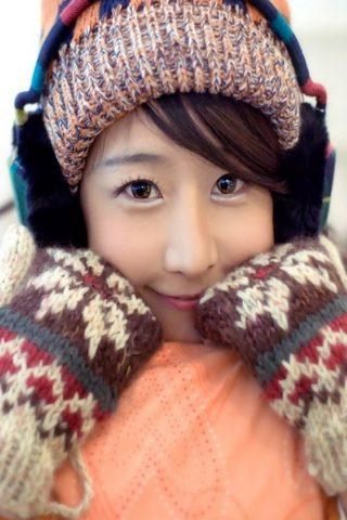 日本の女の子ミトンハットスマイルiPhone7壁紙