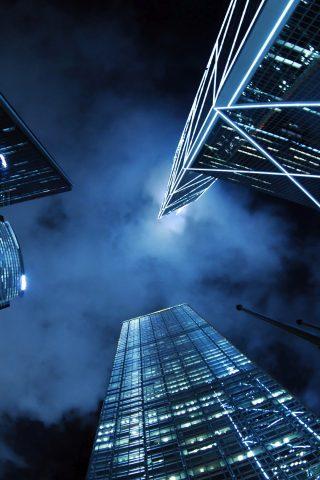 近代的な高層ビル街の夜iPhone8 Plus壁紙