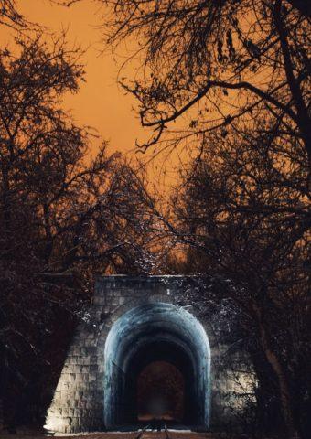 不気味なアルメニア・エレバン鉄道公園iPhone6壁紙