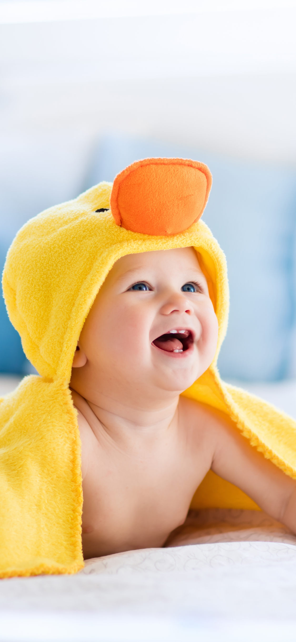 黄色のタオルでかわいい赤ちゃんiphonex壁紙 1125 X 2436 Iphone