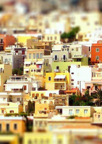 カラフルなギリシャの家iPhone6壁紙