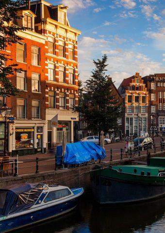 アムステルダム運河の朝iPhone6壁紙