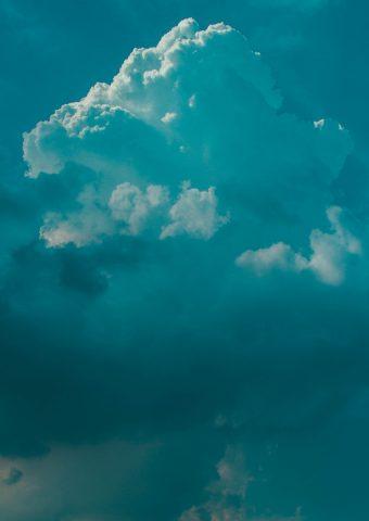 雲、白い雲iPhone 8 Plus壁紙