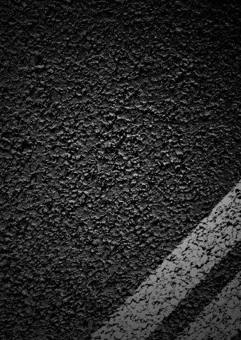 アスファルト道路のテクスチャダークiPhone 8 Plus/Android壁紙