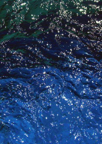 光沢のある水の質感の反射iPhone 6/Android壁紙