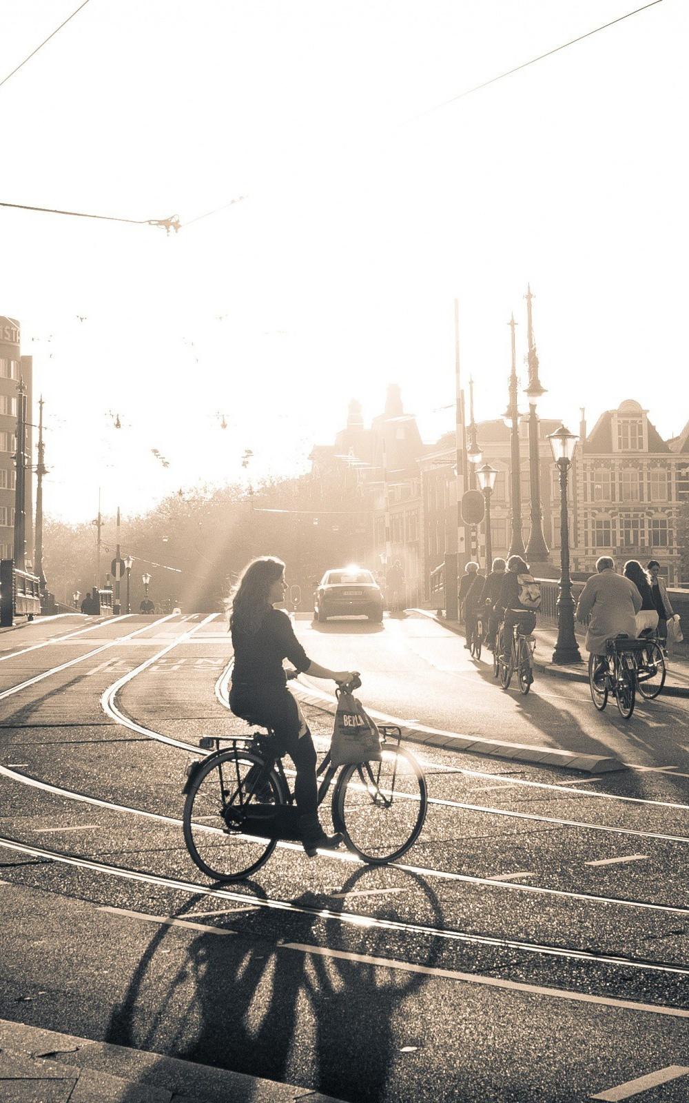 市内の自転車の女の子iphone 7 Android壁紙女の子 Iphoneチーズ