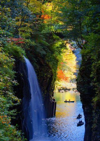 宮崎県高千穂峡の滝iPhone 7/Android壁紙