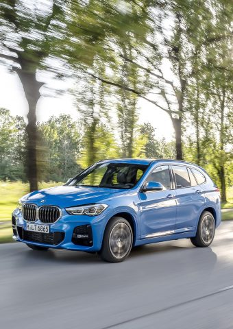 BMW X1ブルー系iPhone XS Max/Android壁紙