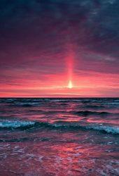 劇的な紅海の夕日iPhone 5/Android壁紙