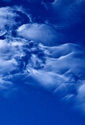 明るい青い空の雲 スマホ 壁紙