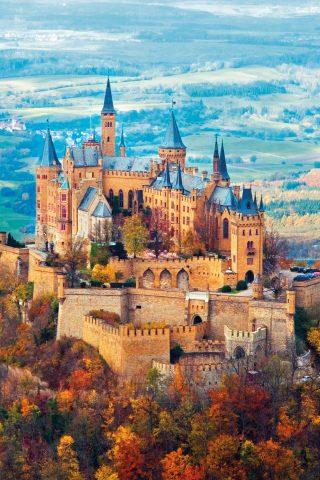 秋のホーエンツォレルン城のスマホ壁紙
