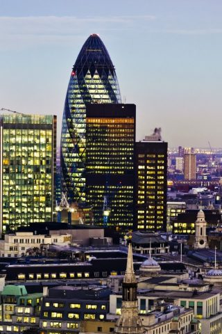 イギリスのロンドンのiPhone 8 Plus壁紙