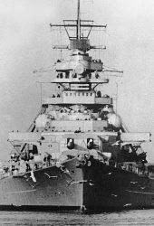 ドイツ戦艦ビスマルクのiPhone 8 Plus壁紙